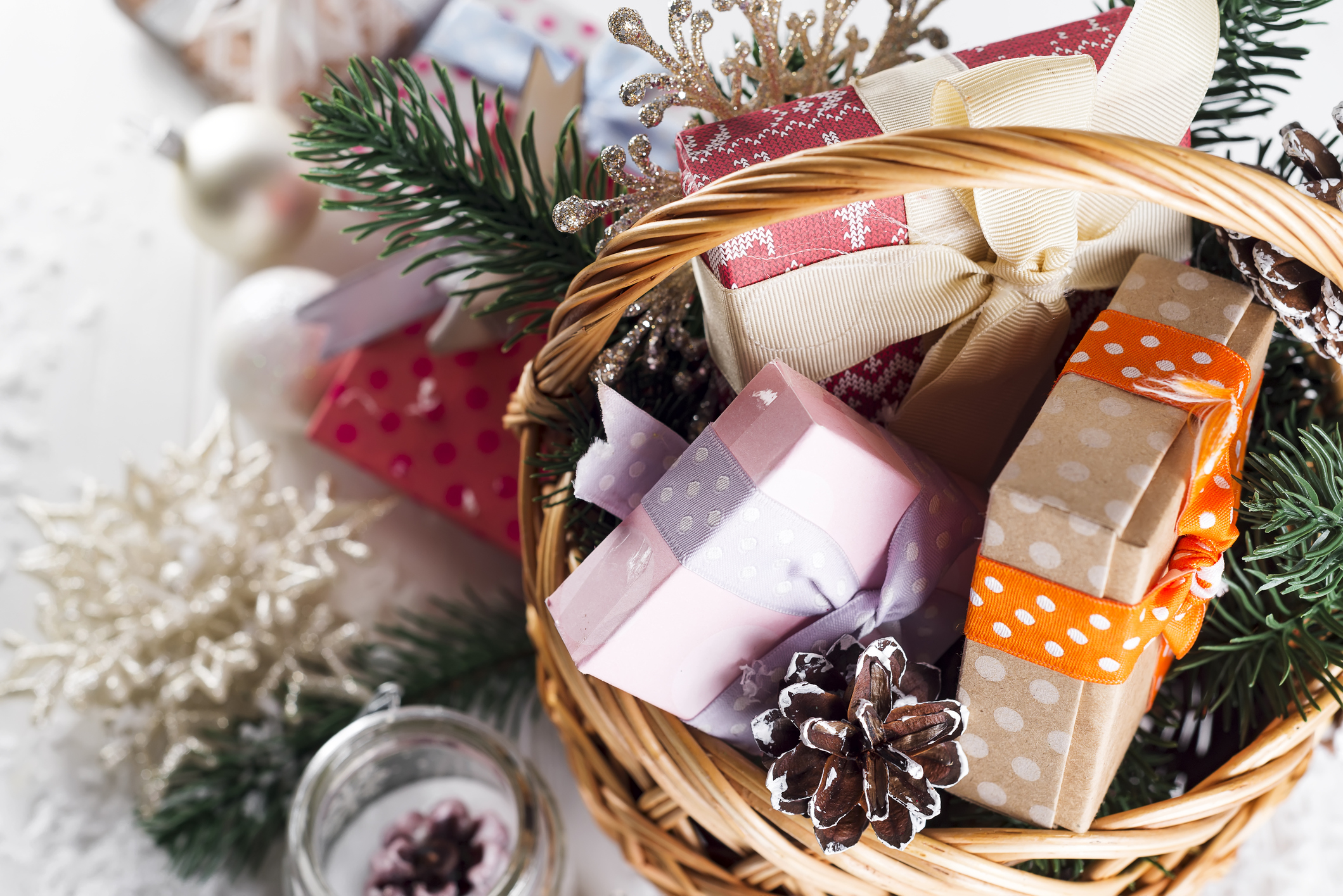 Christmas Gift Baskets For Women.Diy Holiday Gift Baskets That Won T Break The Bank Achieva