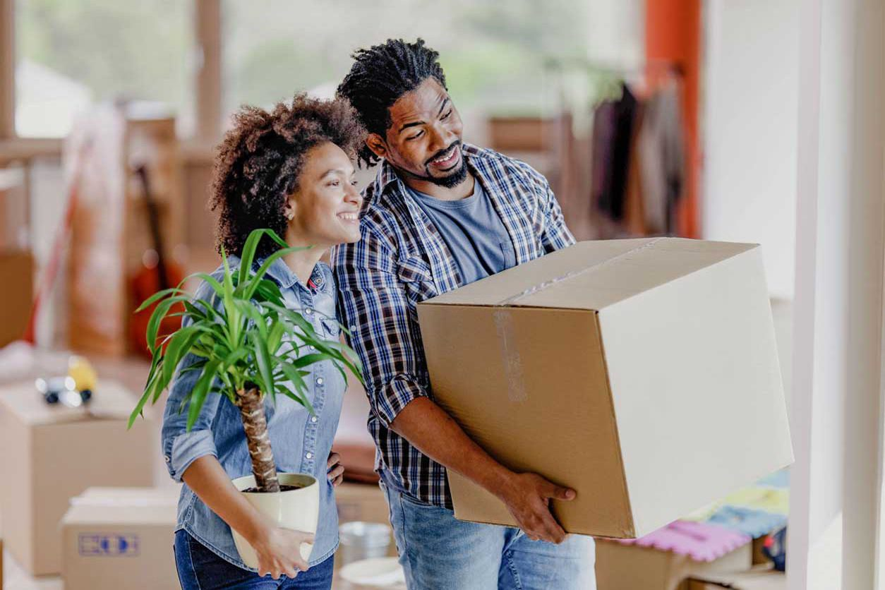 Relocating? Here are 6 Essential Packing and Moving Tips